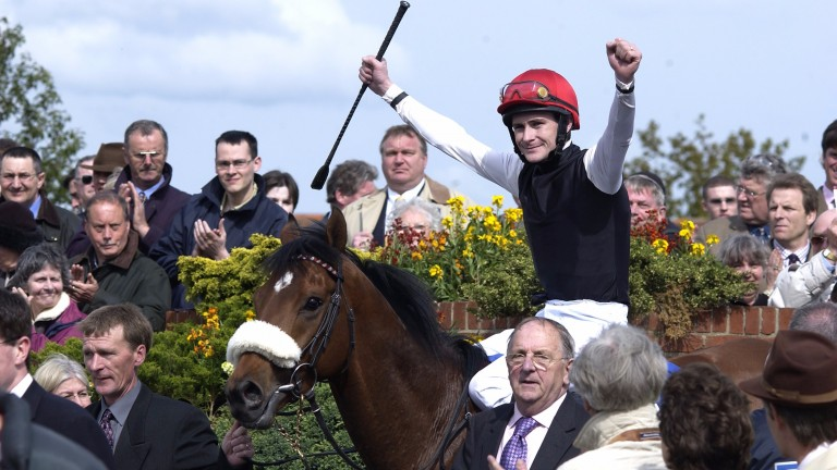 Refuse To Bend: won the 2,000 Guineas in 2003 for Moyglare Stud