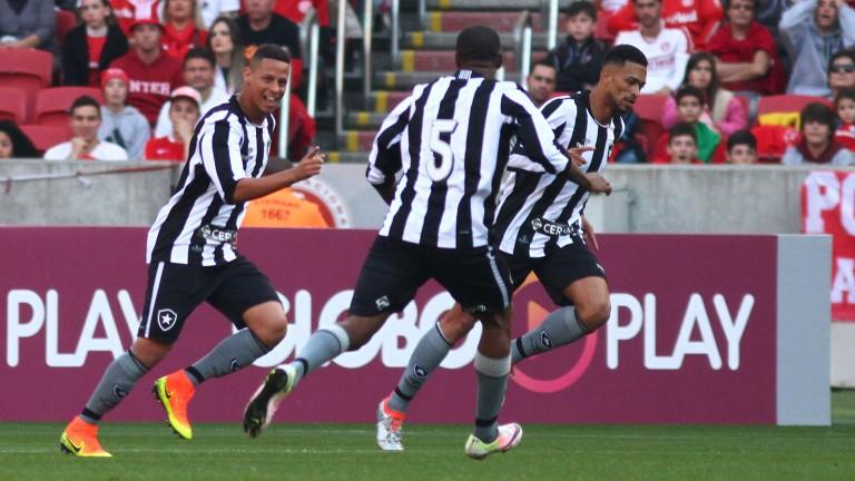 Botafogo celebrate their first goal against Internacional