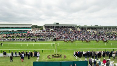 Yarmouth: blue skies and sunshine but track had a wet patch embarrassment