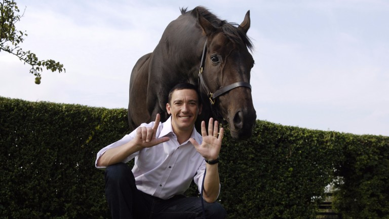 Frankie Dettori at home in Stetchworth near Newmarket with Fujiyama Crest in 2006