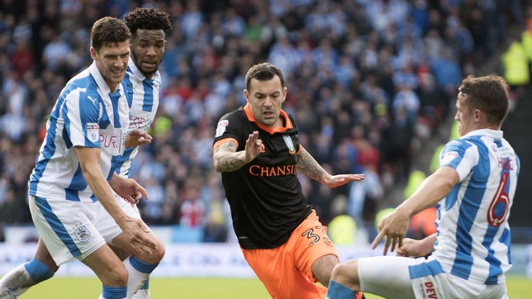 Huddersfield crowd out Sheffield Wednesday midfielder Ross Wallace