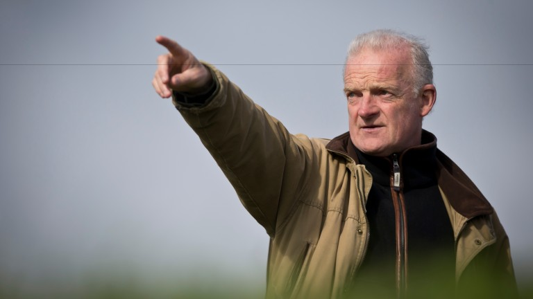 Willie Mullins is looking for a few winners on the horizon this weekend, with Un  De Sceaux his first runner in Britain this season