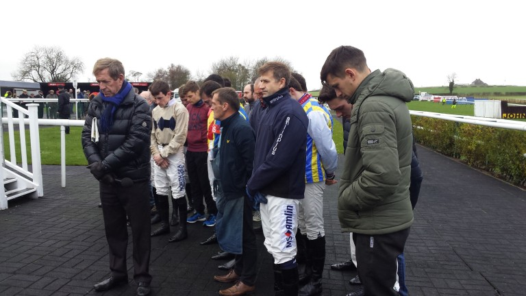 Jockeys and valets were among those to observe a minute's silence for Denys Smith at Sedgefield