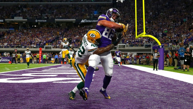 Kyle Rudolph of the Minnesota Vikings catches a touchdown pass