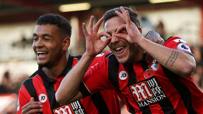Dan Gosling of Bournemouth celebrates scoring against Sunderland