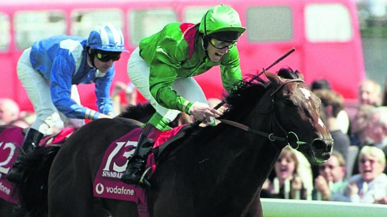 Johnny Murtagh wins the Derby in 2000 on Sinndar