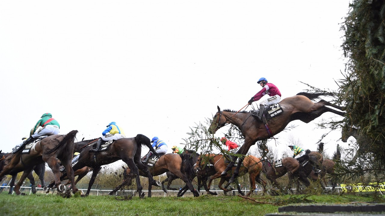 One For Arthur wins 170th Grand National