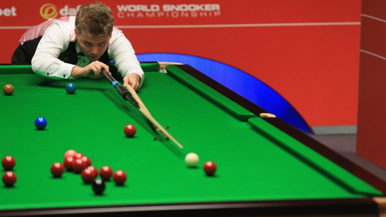 Michael White looks a vulnerable favourite in German Masters qualifying