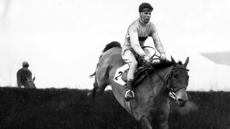 Arkle leads Dormant in the 1966 King George looking all over the winner