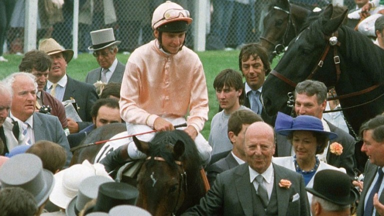 Steve Cauthen comes in on Slip Anchor after their Epsom Derby triumph in 1985.