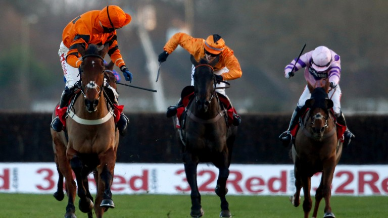 Thistlecrack comes home alone in the King George at Kempton with Tom Scudamore looking round for non-existent dangers