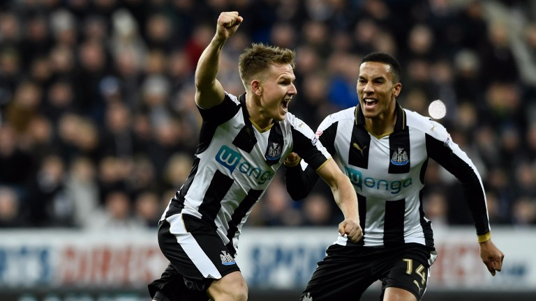 Newcastle's Matt Ritchie opened the scoring against Nottingham Forest