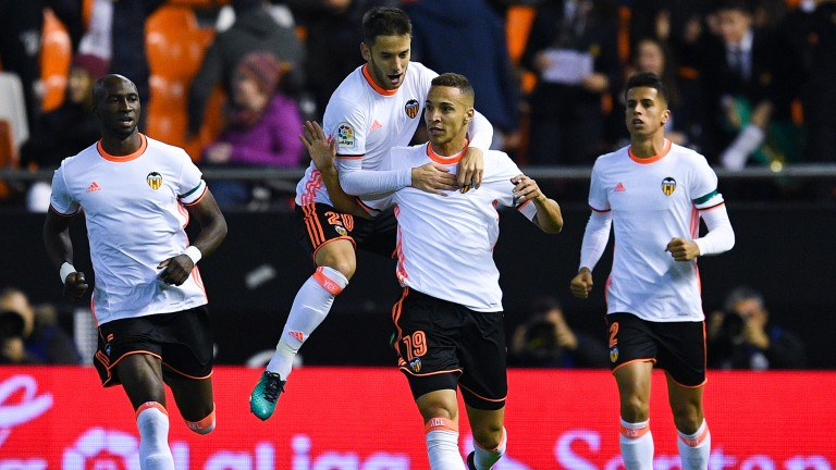 Valencia face Osasuna in La Liga