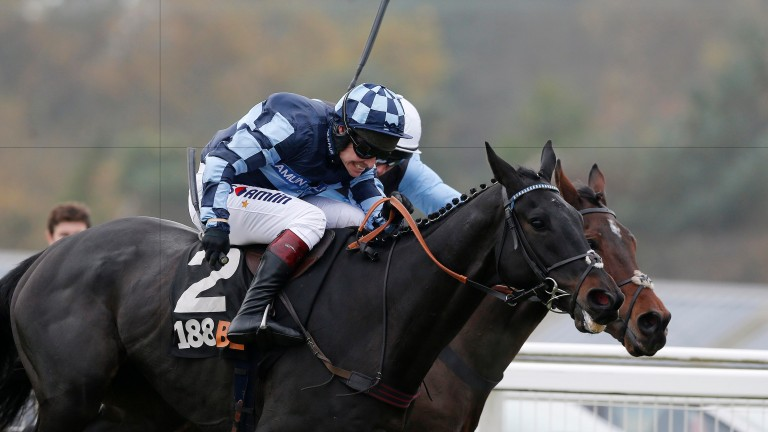 Garde La Victoire, narrowly denied in the Haldon Gold Cup, carries top weight at Sandown