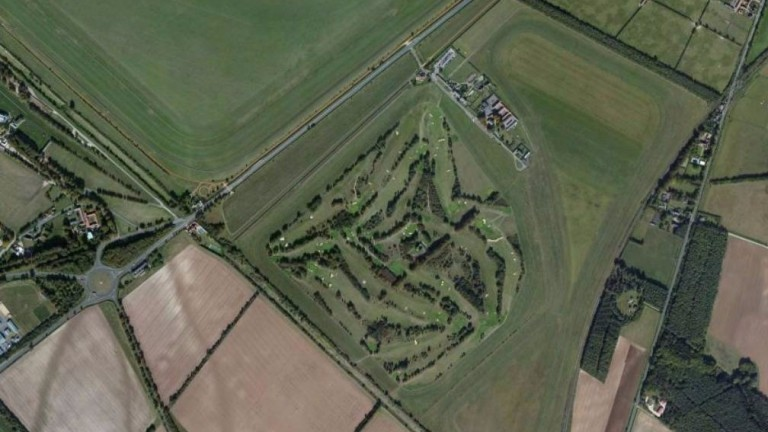 Newmarket Links : the site of the proposed track is the light green oval shape top right