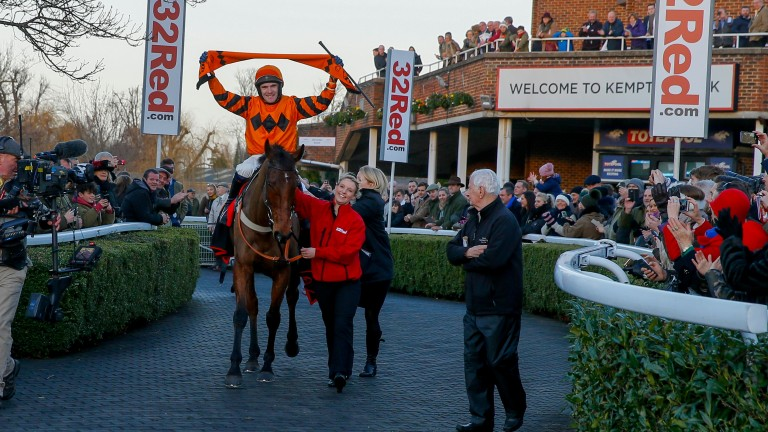 Thistlecrack and Tom Scudamore return victorious after their King George triumph