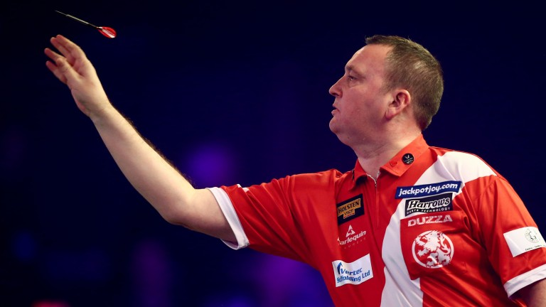 Glen Durrant defeated Jamie Hughes in the semi-finals at Lakeside