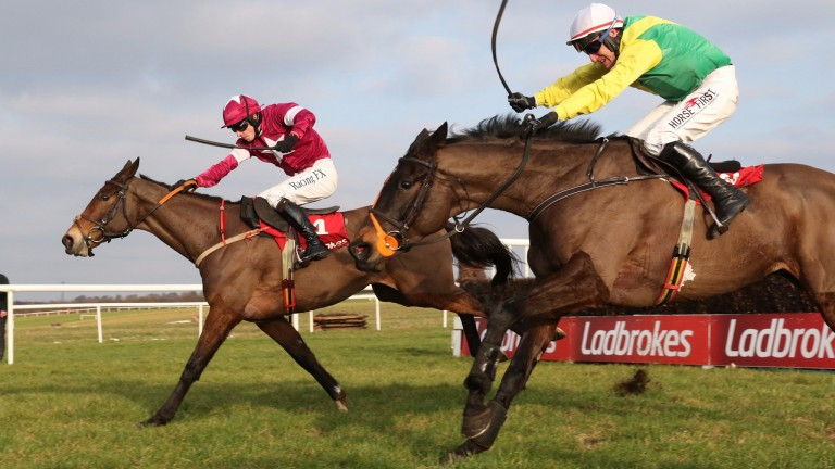 Sizing John (Robbie Power, near) closes on Sub Lieutenant and David Mullins in the Kinloch Brae