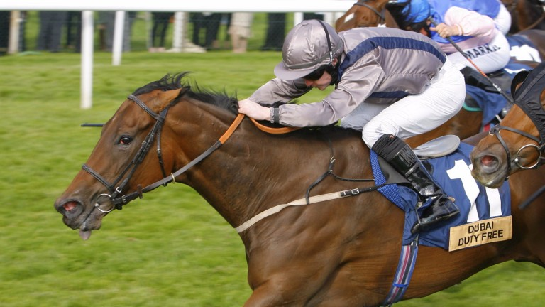 Astrophysical Jet and Graham Gibbons on the way to victory at Newbury in 2010