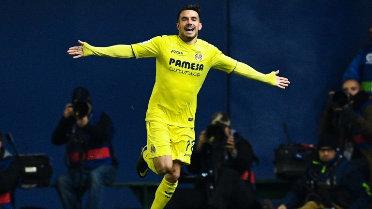 Nicola Sansone of Villarreal celebrates scoring against Barcelona