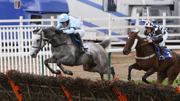 Tjade Collier wining on Stagecoach Pearl at Sedgefield in 2009