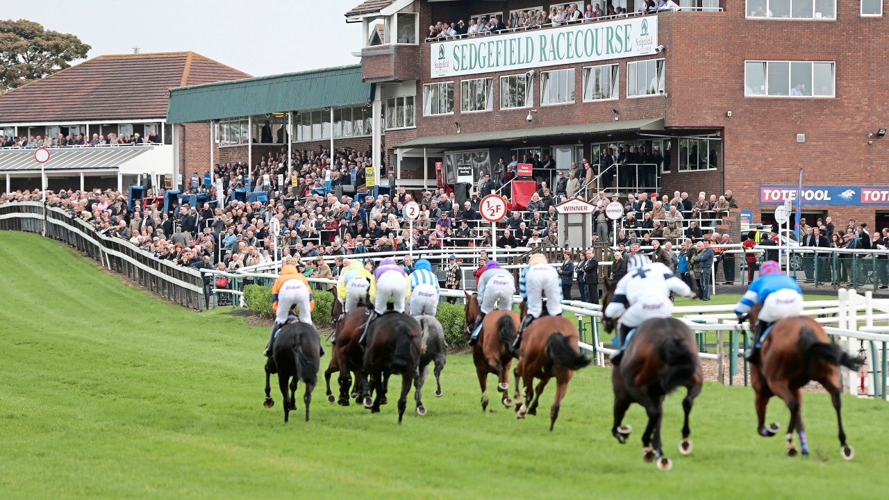 Arc criticised as cuts to racecourse group's prize-money