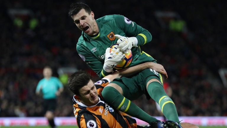 Hull defended heroically against Manchester United