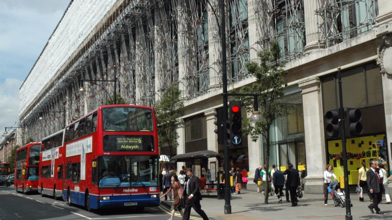 City Racing organisers had hoped to see racehorses temporarily replacing buses on London's famous Oxford Street