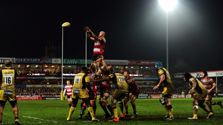 Gloucester win a line out against Worcester