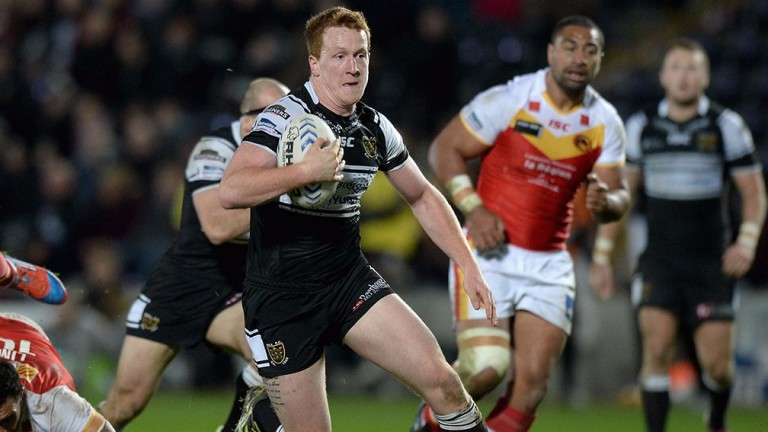 Jordan Thompson makes a break for Hull against Catalans Dragons