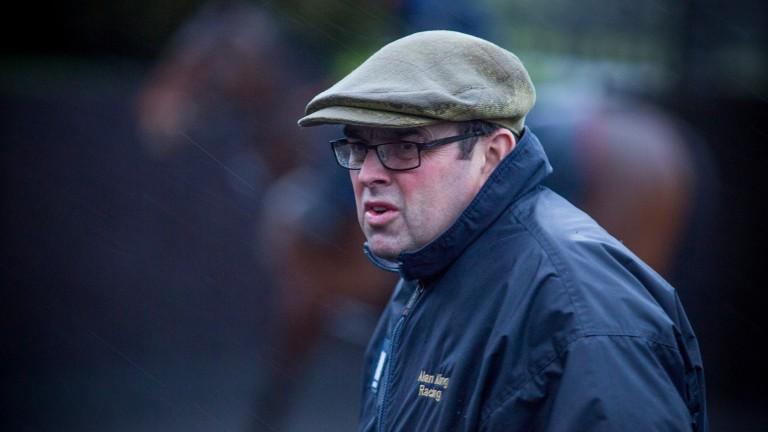 Alan King: saddles Chatez at Kempton