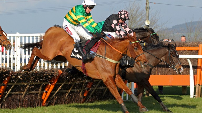 Yanworth and Geraghty on the way to victory in the Kingwell Hurdle at Wincanton