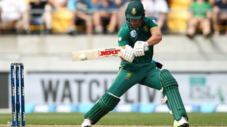 AB de Villiers hit nine sixes in Bangalore's defeat to Kings XI