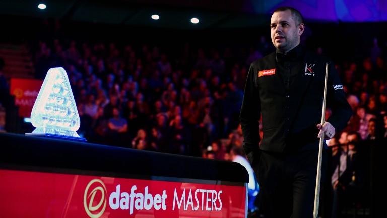 Barry Hawkins prepares to battle Joe Perry in Masters semi-final
