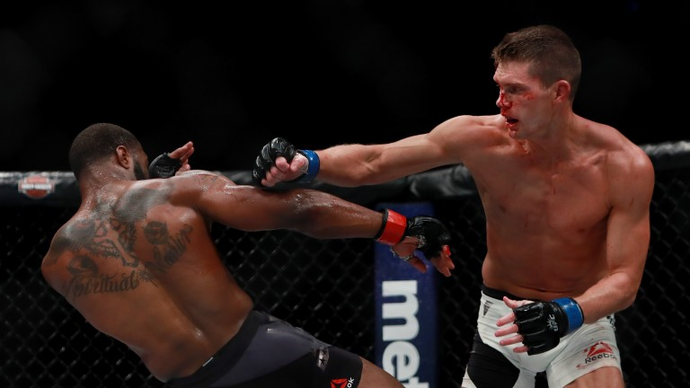 Tyron Woodley gets cracked by Stephen Thompson