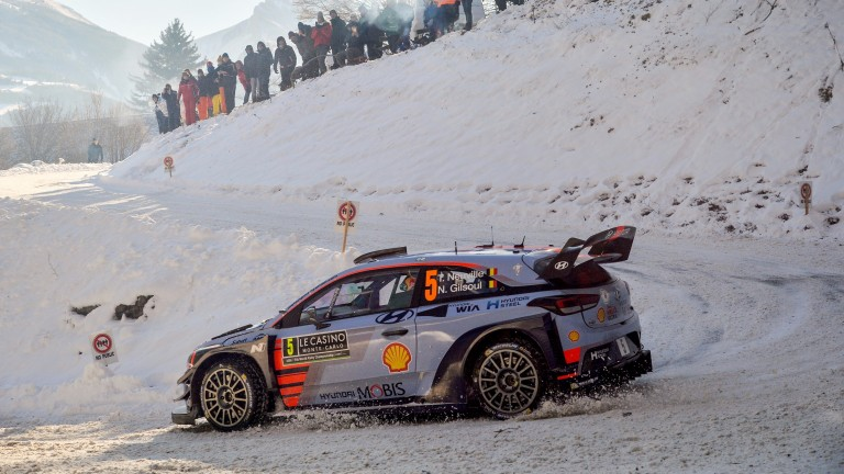 Thierry Neuville led convincingly in snowy Sweden before crashing out