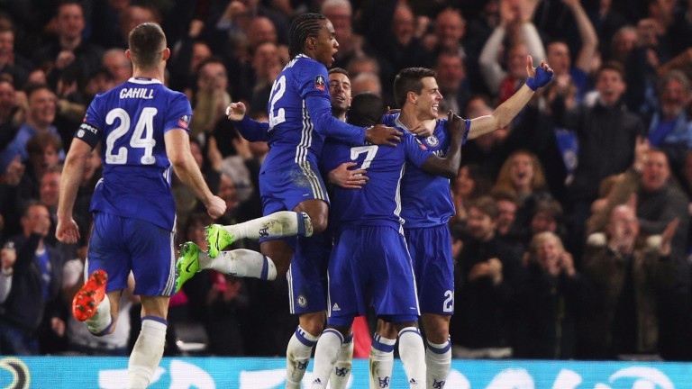 Chelsea celebrate beating Manchester United