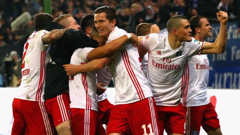 Hamburg celebrate their winner against Borussia Monchengladbach
