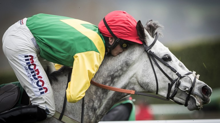 Harry Cobden gets a little close to Viconte Du Noyer in the Ultima Handicap Chase