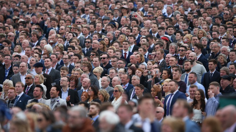 Aintree crowd