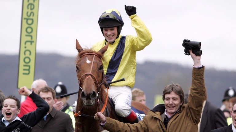 Pedrobob and Phillip Carberry return in triumph after the 2007 Vincent O'Brien County Handicap Hurdle