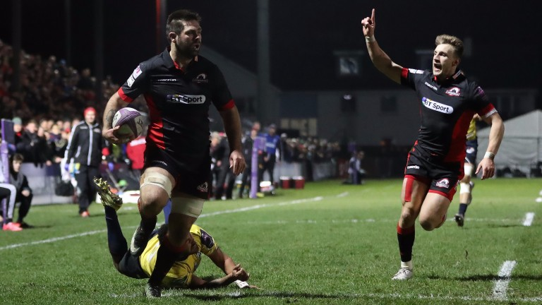 Cornell Du Preez runs through to add to his try tally for Edinburgh