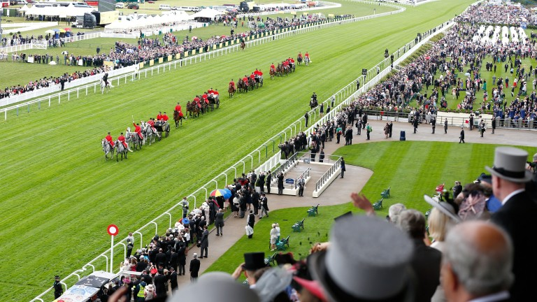 ASCOT, ENGLAND - JUNE 14:  The Royal Procession arriving by carriage as seen from the Royal Enclosure, Level 4 on day 1 of Royal Ascot at Ascot Racecourse on June 14, 2016 in Ascot, England.  (Photo by Tristan Fewings/Getty Images for Ascot Racecourse)