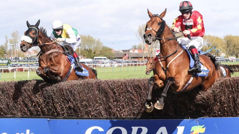 Vicente (left) wins the Scottish Grand National under Sam Twiston-Davies
