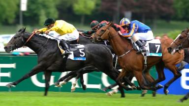Style Vendome (yellow): wins the 2013 Prix d'Essai des Poulains at Longchamp