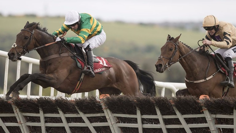 Unowhatimeanharry jumps the last ahead of Nichols Canyon