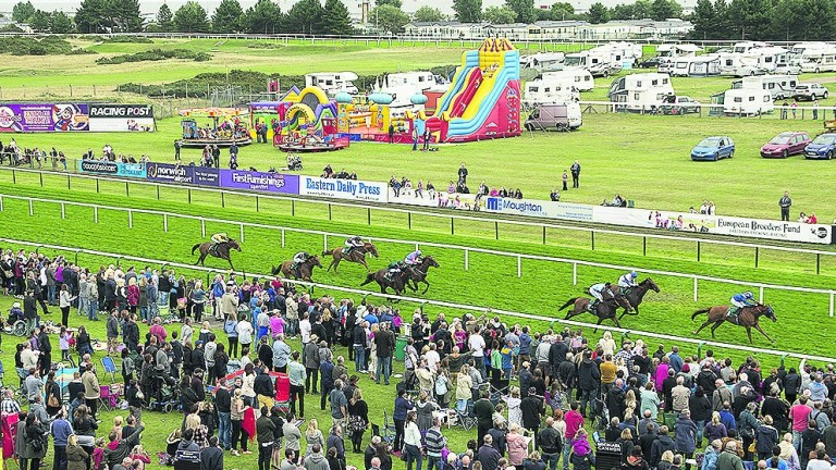 Yarmouth: track stages a seven-race card