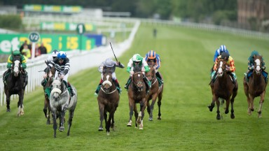 Sovereign Debt: out in front in the bet365 Mile