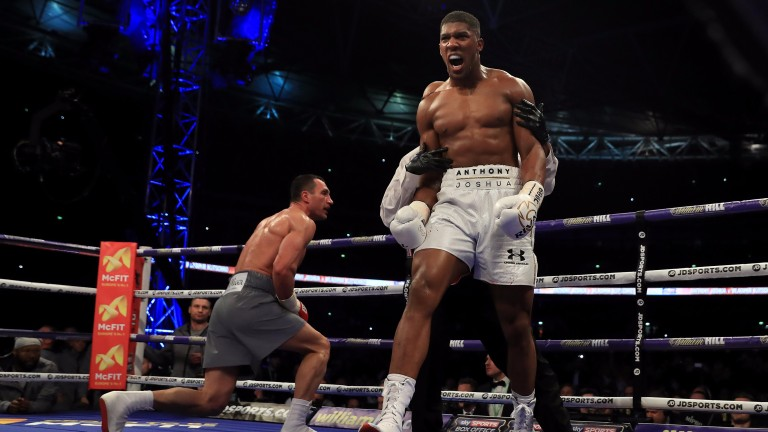 Anthony Joshua knocks down Wladimir Klitschko