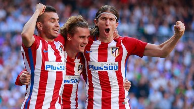 Atletico Madrid celebrate their 1-1 draw at Real Madrid in La Liga